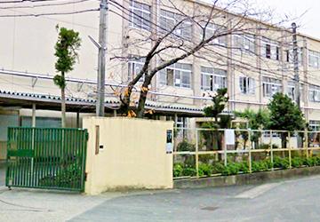 京都市立梅津中学校 徒歩9分