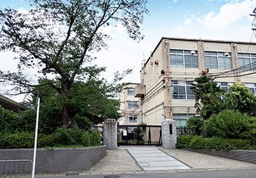 京都市立蜂ケ岡中学校 徒歩14分
