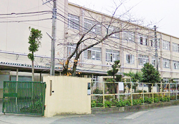 京都市立梅津中学校 徒歩8分