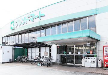 セフレンドマート雄琴駅前店 徒歩18分