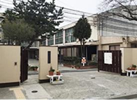 京都市立大淀中学校徒歩7分(560m)